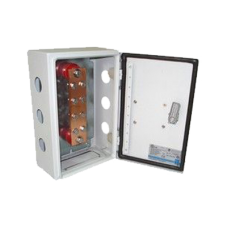 Barra de Unión y Distribución de Hilos Tierra Física con Gabinete de 1000 Amperes de Capacidad.
