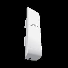 NanoStation M5 AirMax con antena de panel de 16 dBi, 802.11 a/n (4.9 - 5.8 GHz).